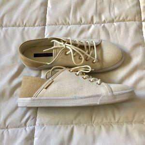 Tommy Hilfiger Flip 4 Women's Sneakers NWOT Size 8
